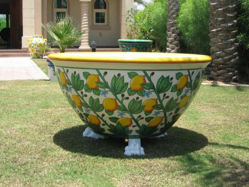 Arredare spazi esterni artigiani al servizio della natura - Vasi ceramica esterno ...